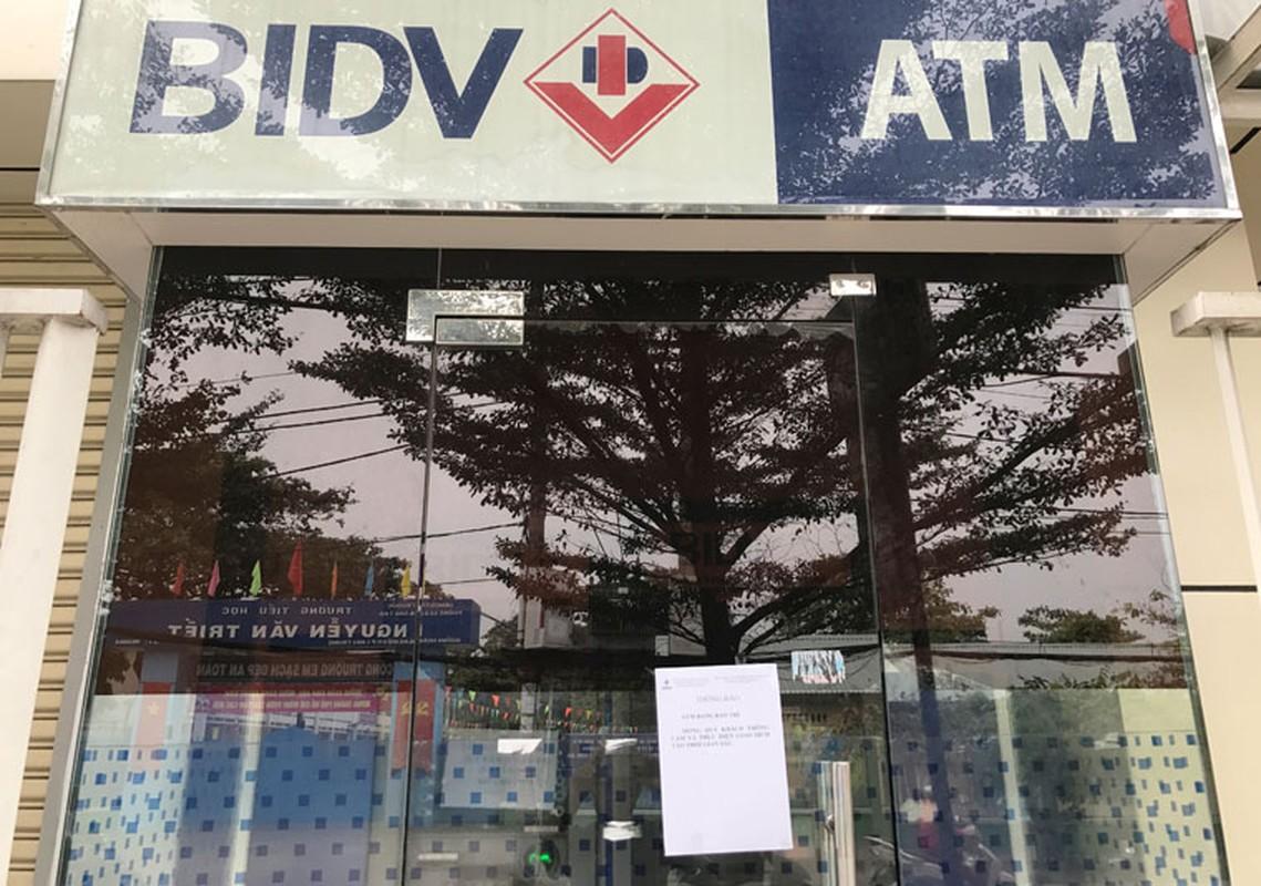Hang loat may ATM BIDV, VIB, TP Bank ngung hoat dong ngay giap Tet