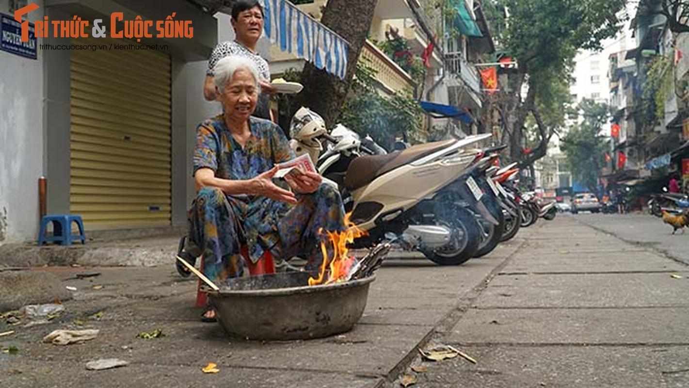 Via he Ha Noi do ruc lua dot vang ma ngay ram thang Gieng-Hinh-3