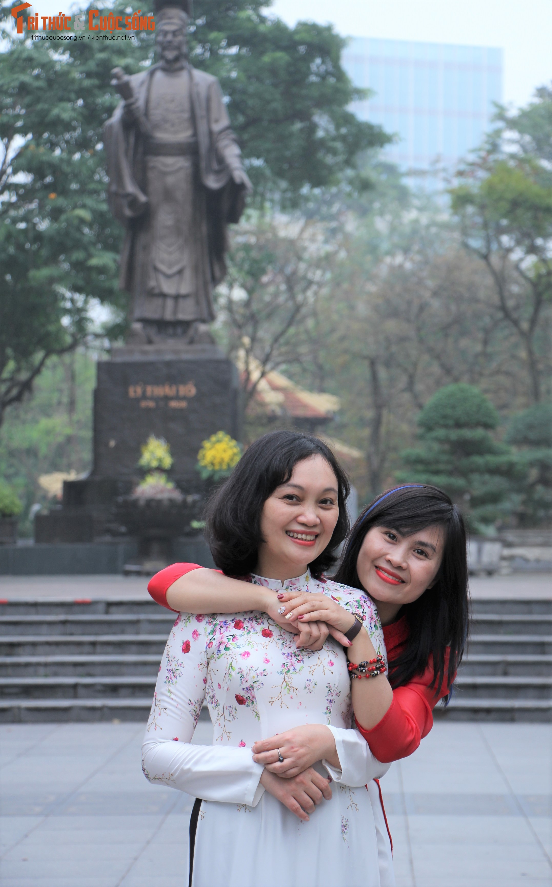 Quoc te Phu nu 8/3: Net dep nu can bo, nhan vien VUSTA trong ta ao dai-Hinh-15