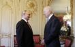 Gặp ông Putin, Tổng thống Mỹ Joe Biden tặng món quà bất ngờ