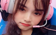 Khoe thân phản cảm, nữ streamer 9X làm netizen hết hồn