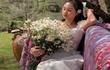 Trưng trổ kim cương chẳng kém ai, gu thời trang con dâu bà Phương Hằng thế nào?