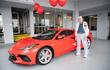 Cụ ông 90 tuổi mua Chevrolet Corvette C8 2021 tặng sinh nhật mình