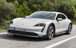 Ra mắt siêu wagon Porsche Taycan Cross Turismo 2021 từ 90.900 USD