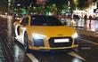 """Siêu xe Audi R8 V10 Plus khoác """"áo vàng"""" rực rỡ tại Sài Gòn"""