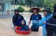 Cảnh báo mùa mưa lũ: Học sinh Quảng Ninh dùng chậu để chạy lũ
