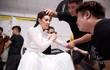 Ảnh Khánh Vân bật khóc khi thử trang phục cho Miss Universe