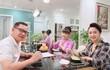 Sốt ảnh nghệ sĩ Phạm Cường thân thiết bên Thu Hà, Vân Dung