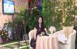 Netizen chê background livestream nhà bà Phương Hằng như tiệc cưới