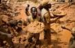 """Khó tin những nơi ra đường """"vớ"""" được vàng, kim cương nhưng dân vẫn nghèo"""