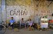 """Phong cách """"chất lừ"""" của cà phê vỉa hè Sài Gòn 30 năm trước"""