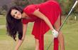Gợi cảm trên sân golf nhưng nữ VĐV này gây chú ý ở điểm khác