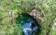 Chuông địa ngục trong hang động ở dưới nước