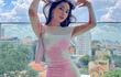 """Jun Vũ eo bé bằng """"nắm tay"""" - Thiều Bảo Trâm sexy tuổi 27"""