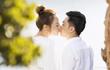 """BST nụ hôn của vợ chồng Cường Đô La, xem mà """"ngại quá đi"""""""