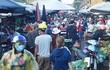 Chợ xanh, chợ tạm đông đúc trong ngày đầu Hà Nội áp dụng giãn cách