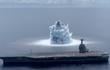 """Cận cảnh tàu sân bay Mỹ """"thử sốc"""" với vụ nổ 4 độ richter"""