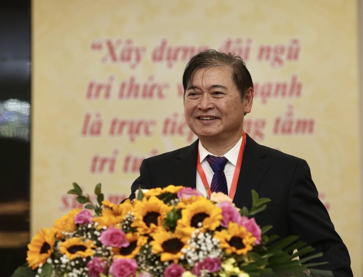 [e-MAGAZINE] Dau an su nghiep cua Tan Chu tich Lien hiep cac Hoi KH&KT Viet Nam Phan Xuan Dung-Hinh-2