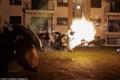 Hình ảnh đụng độ giữa cảnh sát và người biểu tình ở Mỹ
