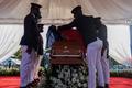 Tiếng súng xuất hiện trong lễ tang cố Tổng thống Haiti bị ám sát