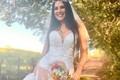 Thảm họa váy cưới khoe da thịt, biến ngày vui thành nốt buồn khó quên