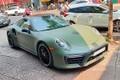 """""""Bồ cũ"""" Porsche 911 Turbo S hơn 20 tỷ của ông trùm cà phê Việt"""