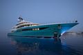 Mất lái như ôtô, siêu du thuyền giá nghìn tỷ đâm nát bến tàu