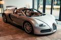 """Phục chế """"ông hoàng tốc độ"""" Bugatti Veyron Grand Sport 13 năm tuổi"""