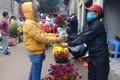 Người dân đi chợ Tết thế nào giữa dịch COVID-19