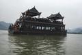 200 nghìn/vé du thuyền chùa Tam Chúc, nghìn người chê đắt vẫn chen chúc lên thuyền