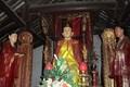 Độc lạ bức tượng có thể tự đứng lên ngồi xuống ở Việt Nam