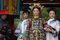 Tại sao Từ Hi Thái hậu bắt cung nữ hầu hạ chỉ được nằm nghiêng