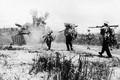 """Xe tăng Việt Nam lần đầu xuất kích, """"nghiến"""" nát quân thù ở Làng Vây"""