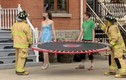 Clip hài: Khi lính cứu hỏa...mê gái đẹp