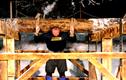 Nâng khúc gỗ nặng 640kg, phá kỷ lục 1.000 năm