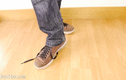 Sự thật đằng sau việc buộc dây giày không dùng đến tay