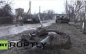 La liệt xác xe tăng trên đường phố Donetsk