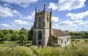 """Đột nhập làng """"ma mị"""" bị bỏ hoang 70 năm ở Anh"""