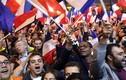 Ảnh: Người ủng hộ ăn mừng chiến thắng của bà Le Pen, ông Macron