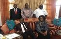 Hình ảnh đầu tiên vợ chồng cựu Tổng thống Zimbabwe sau chính biến