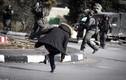 """Khoảnh khắc kinh hoàng Israel bắn chết người Palestine đeo """"đai bom"""""""