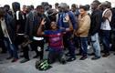 """Italy """"xua đuổi"""", người nhập cư tuyệt vọng tràn sang Tây Ban Nha"""