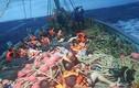 Sóng đánh lật tàu du lịch ở Thái Lan, 49 người mất tích