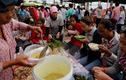 Tận mục một ngày của công nhân giày da Campuchia