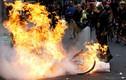 """Hãi hùng cảnh tượng như """"vùng chiến sự"""" ở Pháp vì biểu tình"""