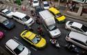 """Khốc liệt cuộc chiến giành địa bàn của """"băng đảng"""" xe ôm ở Bangkok"""