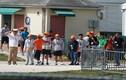 Sự thật sốc về nơi giữ trẻ nhập cư trái phép ở Mỹ