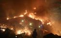 """Cảnh trường đại học Hong Kong """"chìm trong biển lửa"""" vì biểu tình bạo lực"""