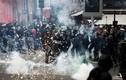 Biển người biểu tình phản đối Tổng thống Macron khiến nước Pháp tê liệt
