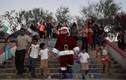 Ấn tượng ông già Noel khắp thế giới bận rộn dịp lễ Giáng sinh